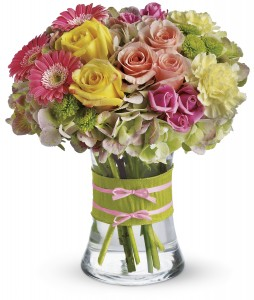 Fashionista Blooms T1551A Mother's Day, Spring, Everyday in Waterbury, CT | GRAHAM'S FLORIST