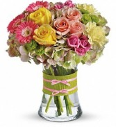 Fasionista Blooms Rose vase arrangement