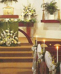 Altar/Podium/Garland/Pews Wedding Ceremony Flowers in Milwaukie, OR | Poppies and Paisley Events