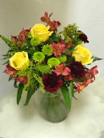 FC005 Ready for delivery Yellow roses and alstromeria vase arrangement