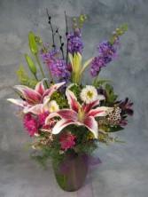 FESTIVAL OF FLOWERS Bouquet in Vase