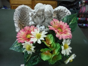 FG concrete angels with bird nest,decorated  in Barnesville, OH | THE FLOWER GARDENS