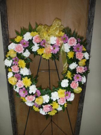 FG Heart Wreath  Easel Spray