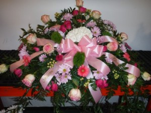 FG Sweet remembrance Casket Spray in Barnesville, OH | THE FLOWER GARDENS
