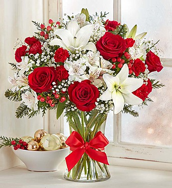 Field of Europe Christmas All-Around Floral Arrangement