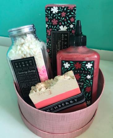 FinchBerry set  Gift basket
