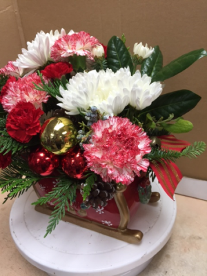 FItz and Floyd Sleigh Christmas Flower Arrangement in Celina, TX | Celina Flowers & Gifts