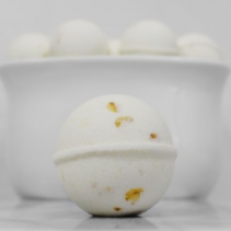"Fizz Bizz Bath Bomb ""Oatmeal & Honey"" Gift Item"