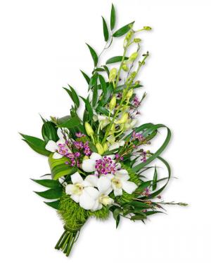 Flawless Hand-tied Bouquet Flower Arrangement in Nevada, IA | Flower Bed