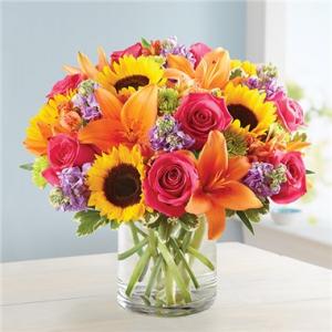 Floral Embrance  in Dearborn, MI | LAMA'S FLORIST