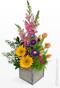 FLOWER BOX Flower Arrangement