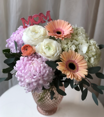 Flower Hug for Mom Vase Arrangement
