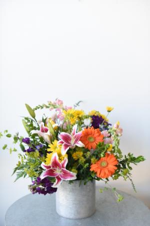 Flower Tin Galore  in La Grande, OR | FITZGERALD FLOWERS