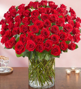 Flowerama Red Rose Stunner 100 Red Rose Arrangement