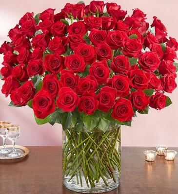 Flowerama Red Rose Stunner 100 Red Rose Arrangement