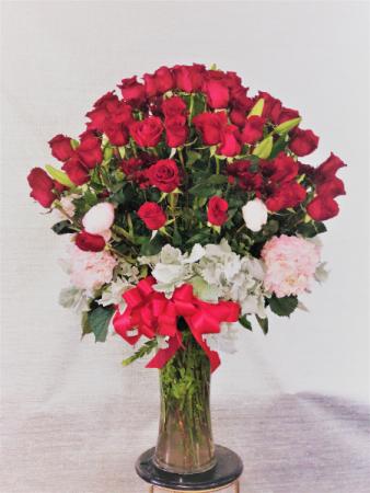 flowerlady bouquet 4 dozen roses with hydraenga