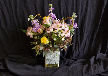 Flowers and Lace rectangle cube vase