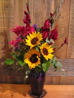 A SEASON OF FLOWERS Monthly Delivery of Seasonal Arrangements in Vase in Ithaca, NY | BUSINESS IS BLOOMING