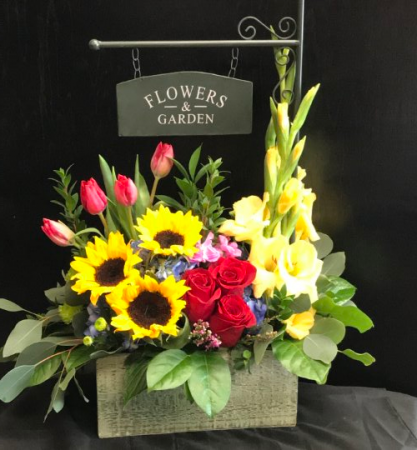 Flowers & Garden Box Fresh cut arrangement