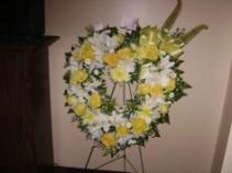 Fond memories Sympathy wreath