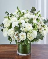 FOND MEMORY Vase Arrangement