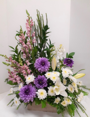 Fondly Remembered  in Tottenham, ON | TOTTENHAM FLOWERS & GIFTS