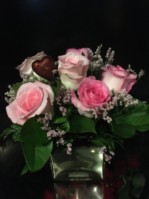 For My Sweetheart Six Premium Pink Roses in a Gold Glass Cube in Bethel, CT | BETHEL FLOWER MARKET OF STONY HILL