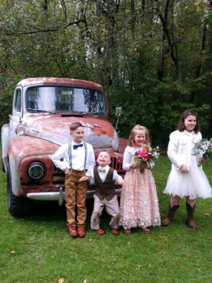 For the Little Ones Make them feel special too! in Kirtland, OH | Kirtland Flower Barn