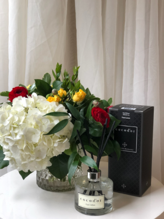 Forever Fragrant Vase Arrangement with Diffuser