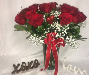 Forever in Love Valentines in Medfield, MA | Lovell's Florist, Greenhouse & Nursery