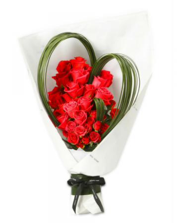 Forever Love **EXCLUSIVE @ ARIA FLORIST** **FREE 8 PCS OF FERRERO BOX OF CHOCOLATE**
