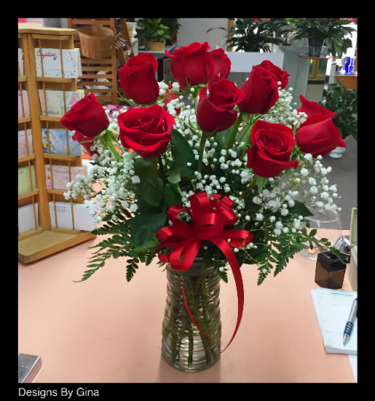 Anniversary flowers colorado springs co flowers to go forever yours classic rose bouquet in colorado springs co flowers to go mightylinksfo