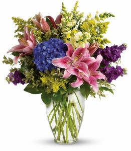 Fragrant Garden Vase Vase Arrangement in Chatham, NJ | SUNNYWOODS FLORIST