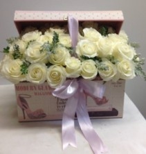 French box of roses Modern