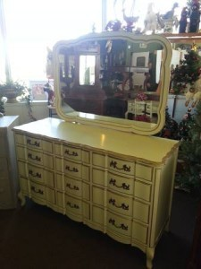 French Provincial Bedroom Set Dresser w/ mirror, Highboy ...
