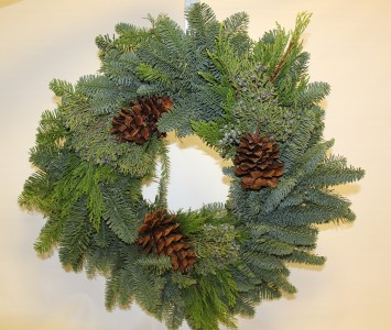 24 Inch Fresh Christmas Wreath