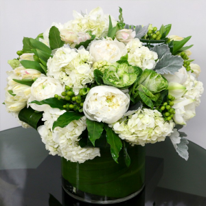 Fresh Favour   in Oakville, ON | ANN'S FLOWER BOUTIQUE-Wedding & Event Florist