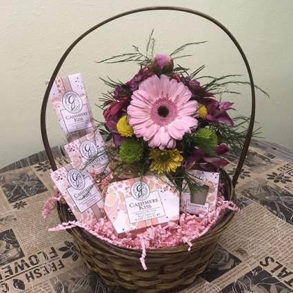 Fresh Flower Greenleaf Scents Gift Basket