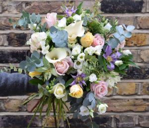 Fresh Mix   in Oakville, ON | ANN'S FLOWER BOUTIQUE-Wedding & Event Florist