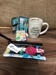 Friend gift ideas Mug, manicure, clutch