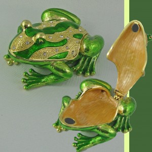 Frog Crystal Ring Box Gift in Brentwood Bay BC PETALS N BUDS
