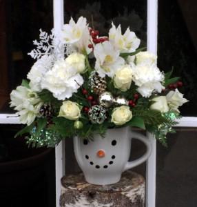 Frosty's Winter mug arrangement