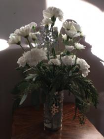 Frozen Snowflake vase with white flowers