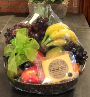 Fruit and Gourmet Basket  in Skowhegan, ME | SKOWHEGAN FLEURISTE & FORMALWEAR