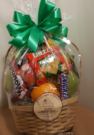 Thoughtful  Gestures Family Fruit & Snack Basket