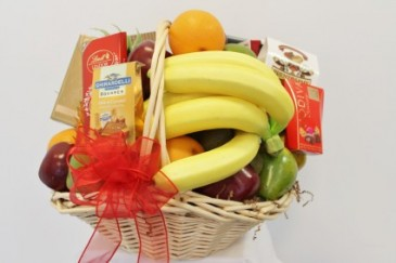 FRUIT/GOURMET BASKET
