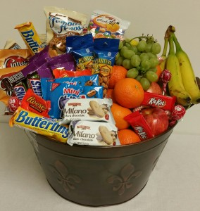 FRUITS & SNACKS FOR THE WHOLE CREW