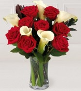 FTD Memorable Moments vased fresh roses and callas