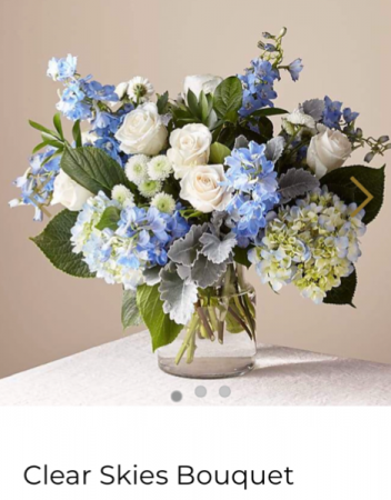 FTD's Clear Skies Bouquet  Fresh arrangement with mixed flowers