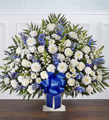 FUENRAL BASKET BLUE AND WHITE